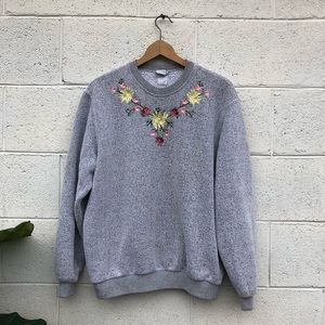 Vintage • Embroidered Knit Sweater